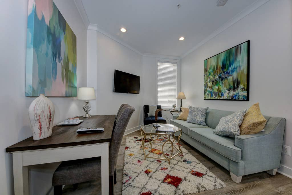 Suite 5 · DuPont Circle/Kalorama Luxury Apartment Suite 5