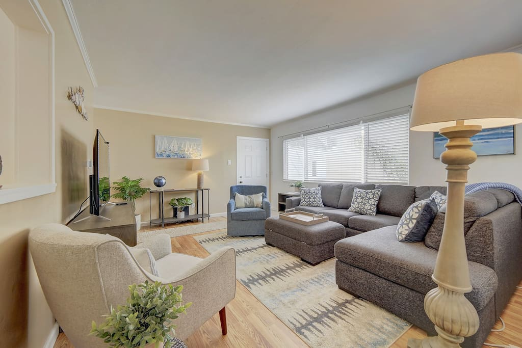 3675 Bayside-1 bedrm · ~Bay View, King Bed, Rooftop Terrace + Bikes!