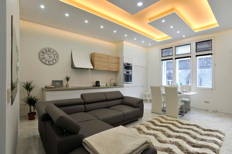 City Center Designer Dream Home (w 2BR and 2Bath)