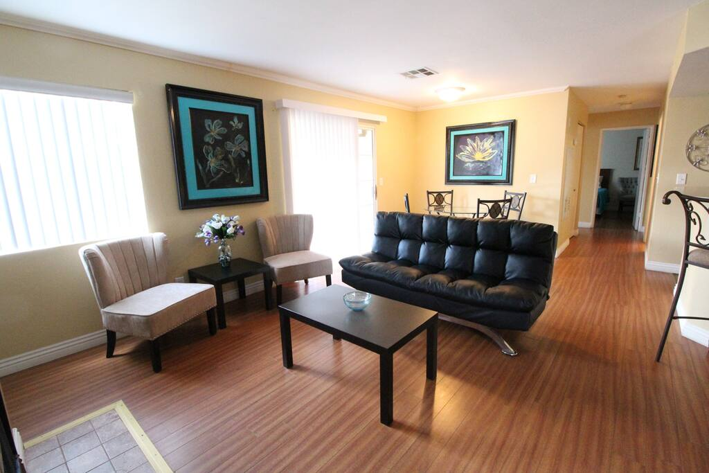 2101 · Cheerful 2 Bdr Condo - Close to Red Rocks!
