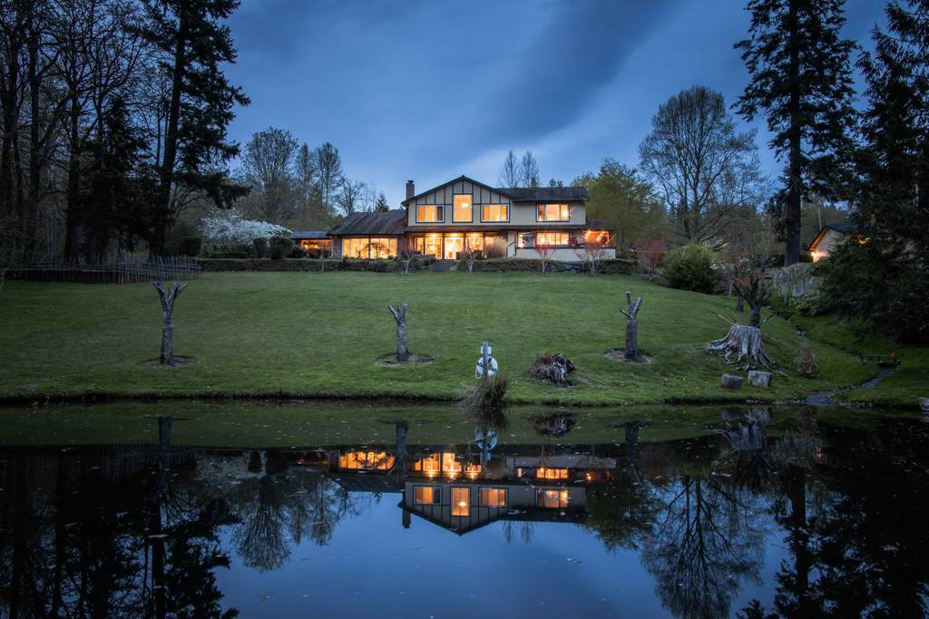 Amazing Lakeview house, quiet and private