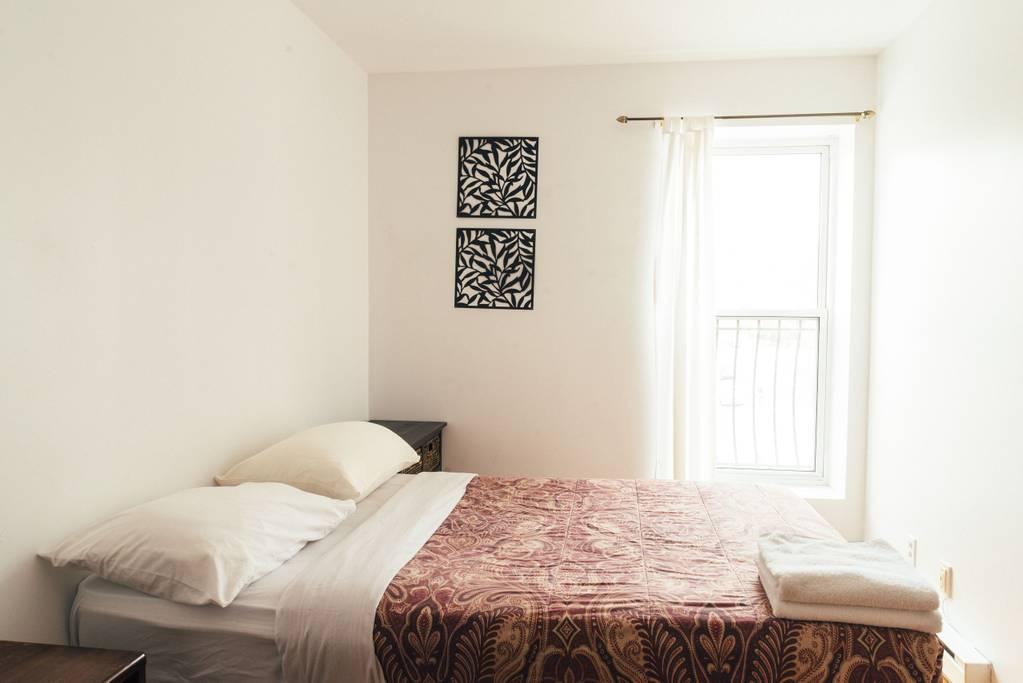 Au Cherrier   Seis (3 double beds)