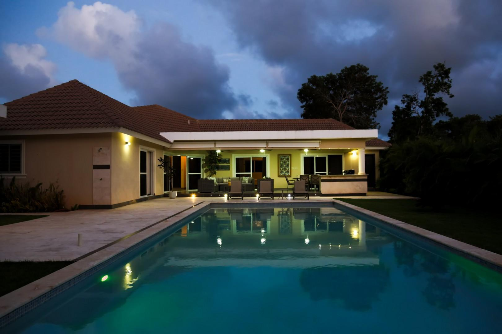 Villa equipped with an infinity edged pool in gated community