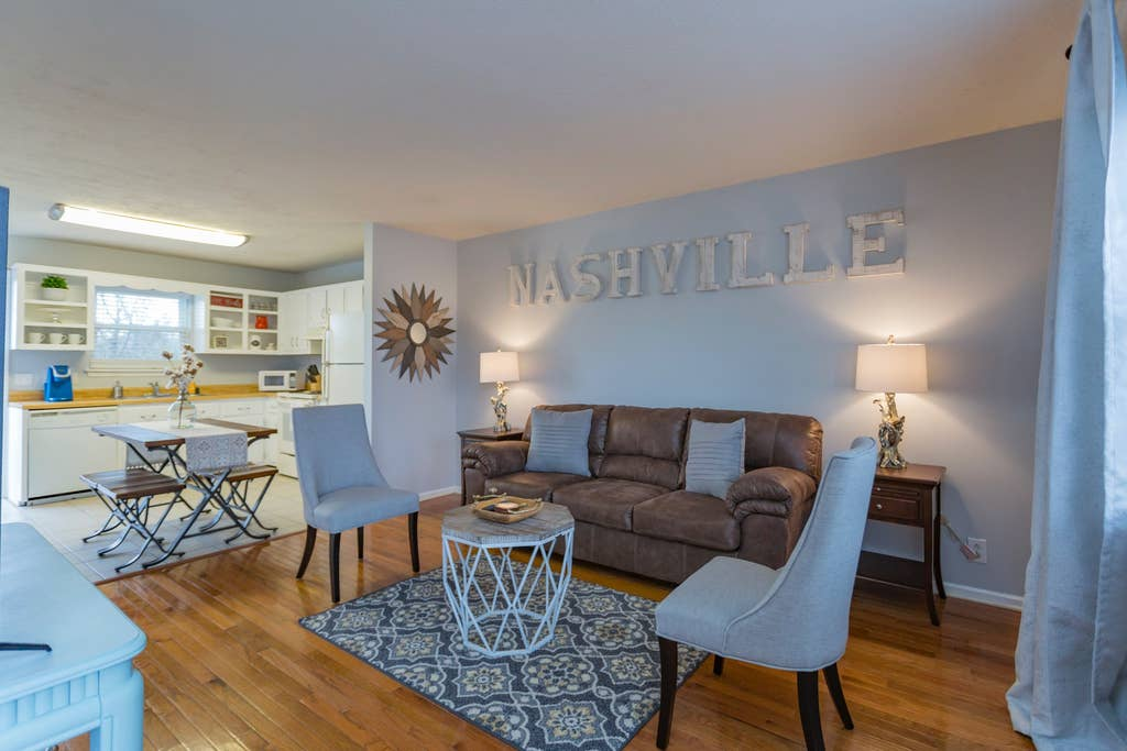 318 Riverside · Nashville Chic | 10min from downtown!