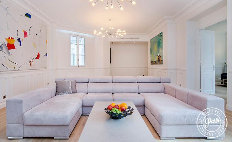 Avenue Montaigne Suite