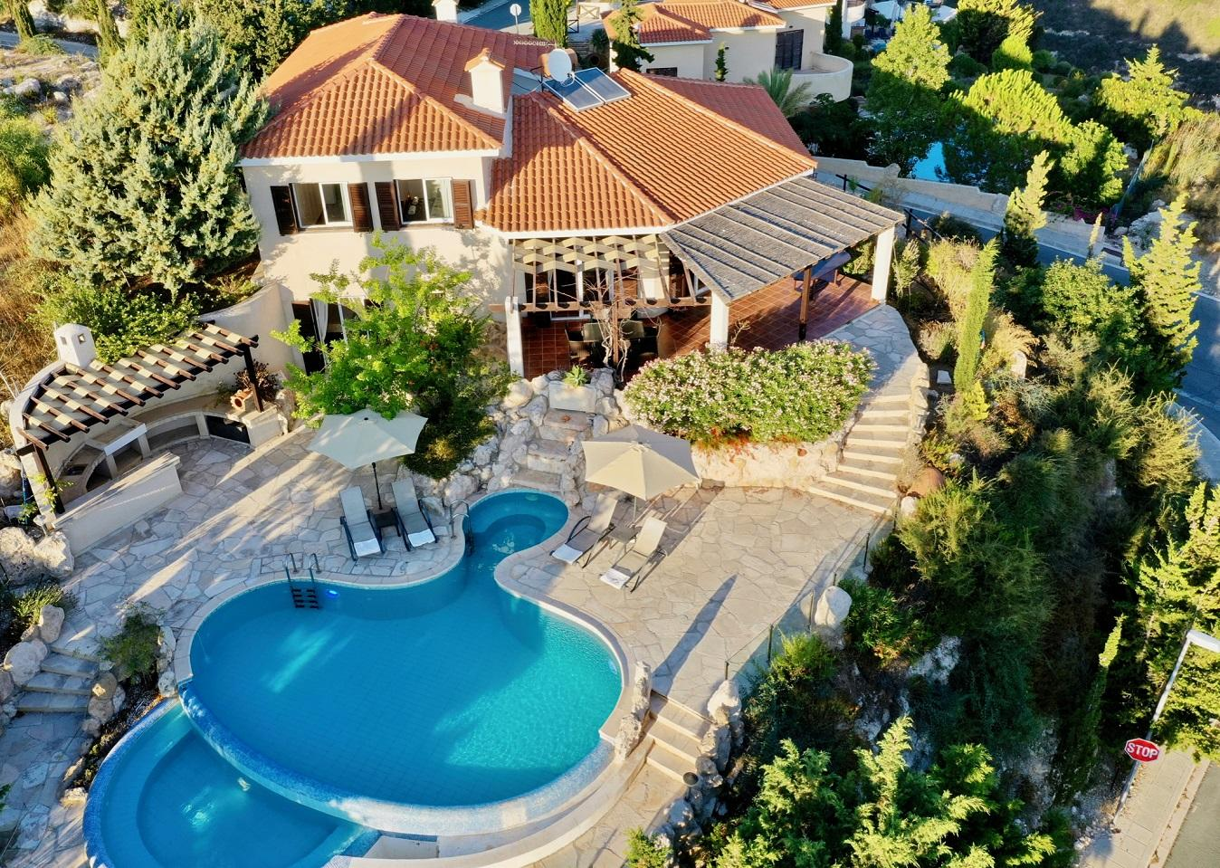 Exclusive Hilltop Panoramic Villa with large pool!