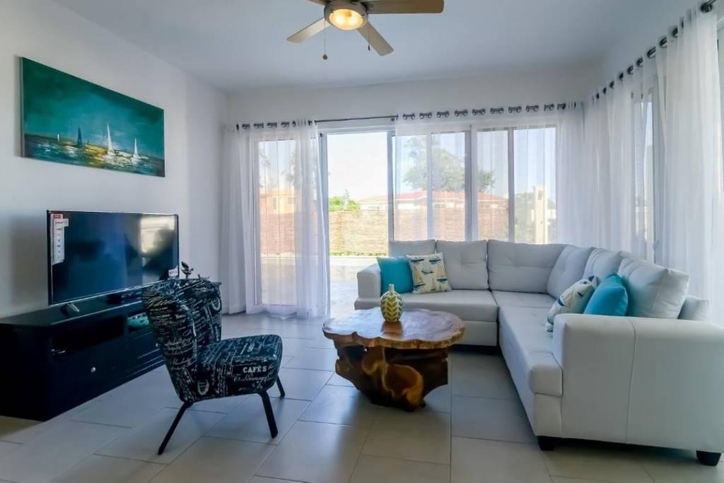 Professionally decorated open concept villa