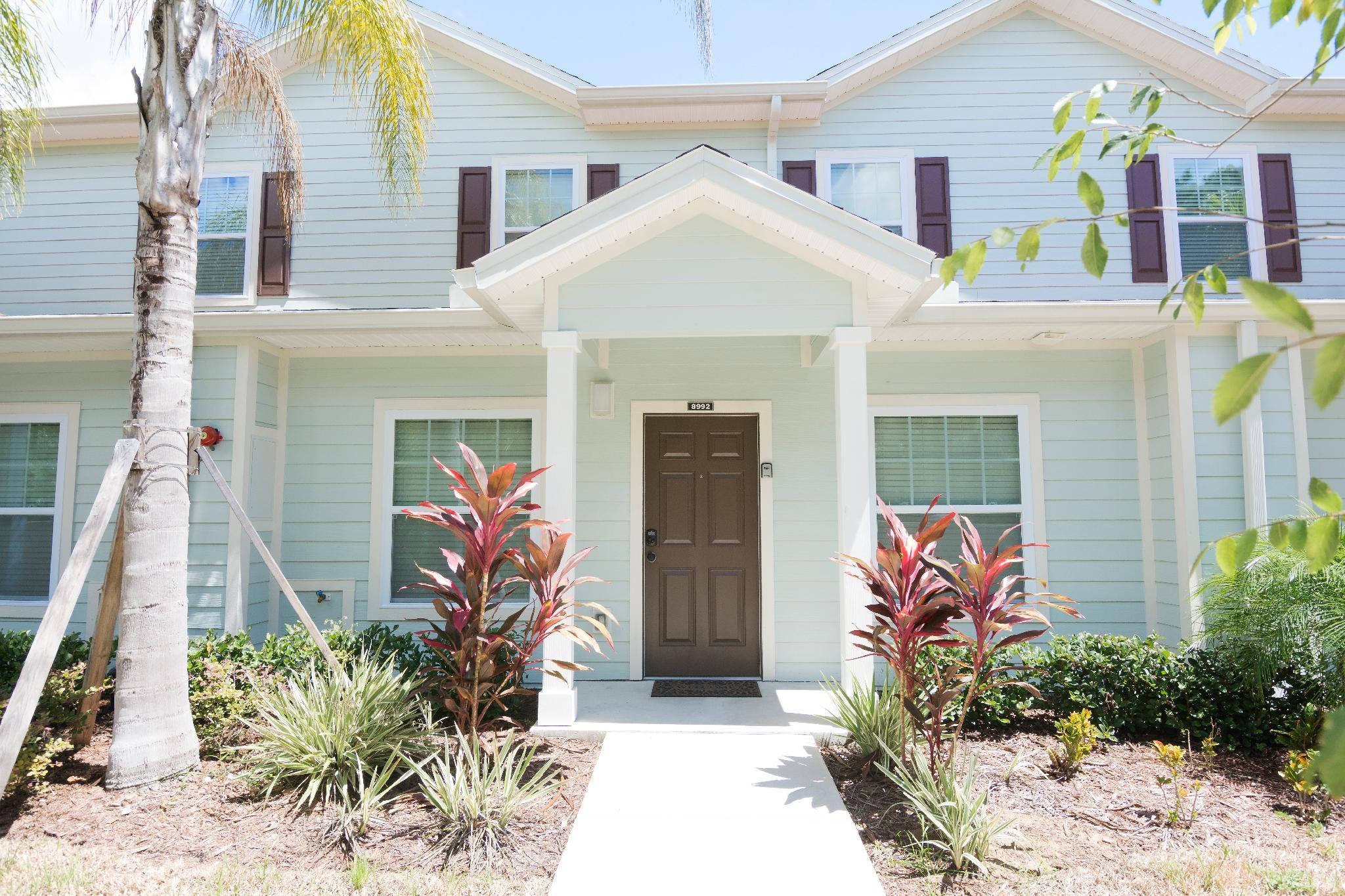 Beautiful 3 BD house in Gated Community - 7 min from Di