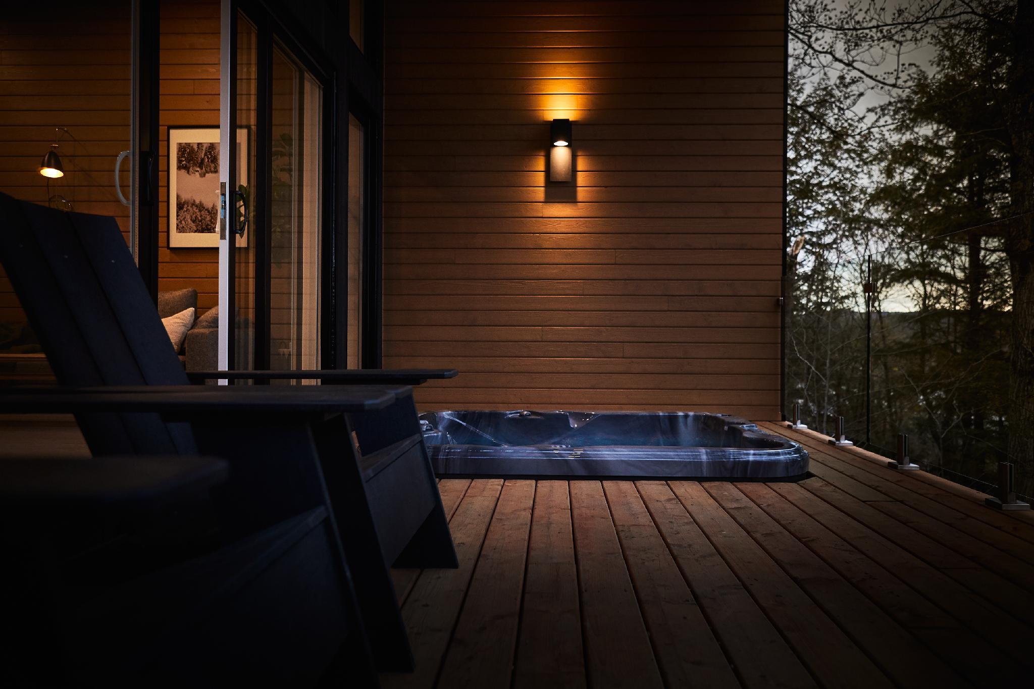 Spa privé encastré sur le balcon