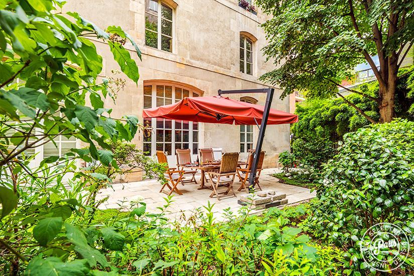 Marais Garden Suite