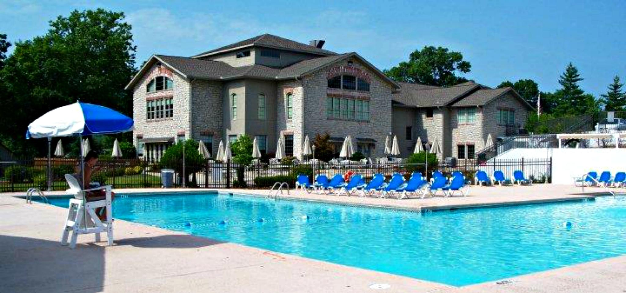 Cliff's, Updated Condo Near Clubhouse , 2 Pools, Tennis, Cafe , Golf View : PR 41-12