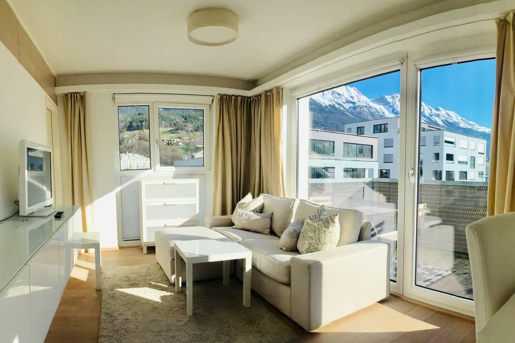 FürstenSuit · Design Suite -balcony/kitchen/cableTV/parking incl