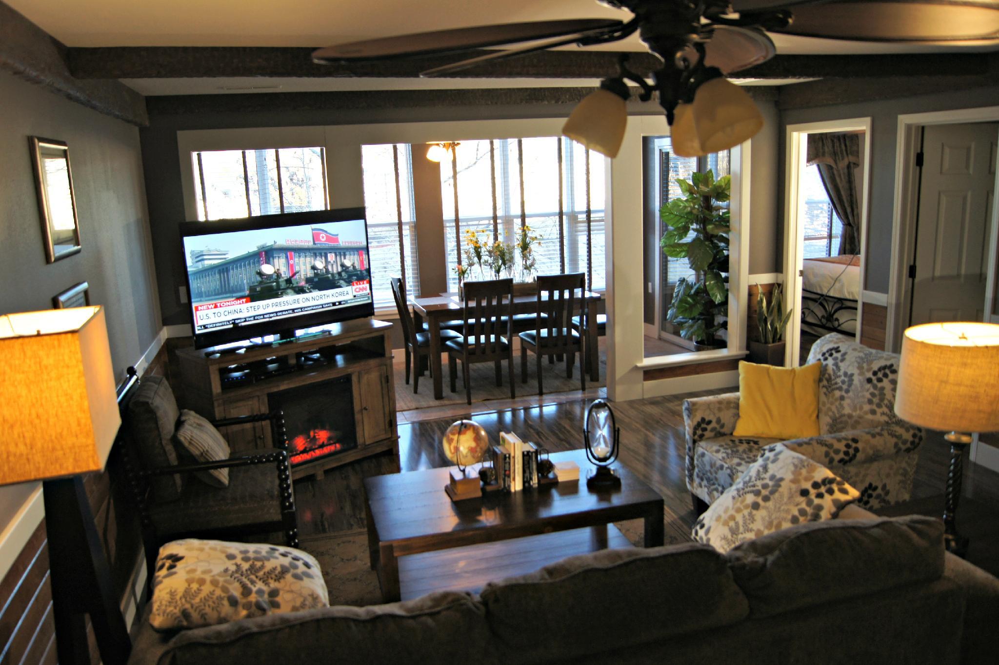 2 Bedroom Walk In Condo, Near the Strip, 1000 Hills Golf View, Sleeps 8: Club A-8