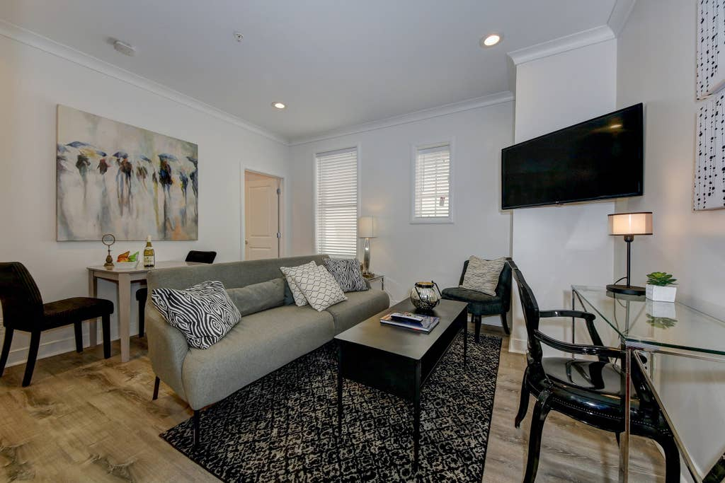 Suite 1 · DuPont Circle/Kalorama Luxury Apartment Suite 1