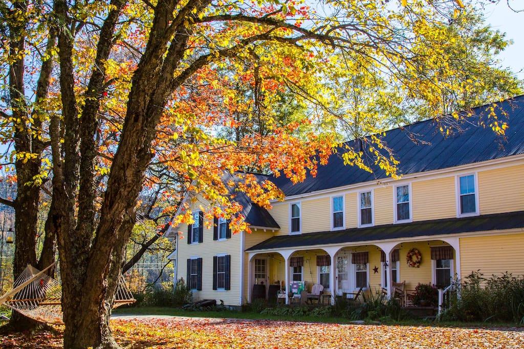 Wilder Farm Inn on the River-Whole House Rental