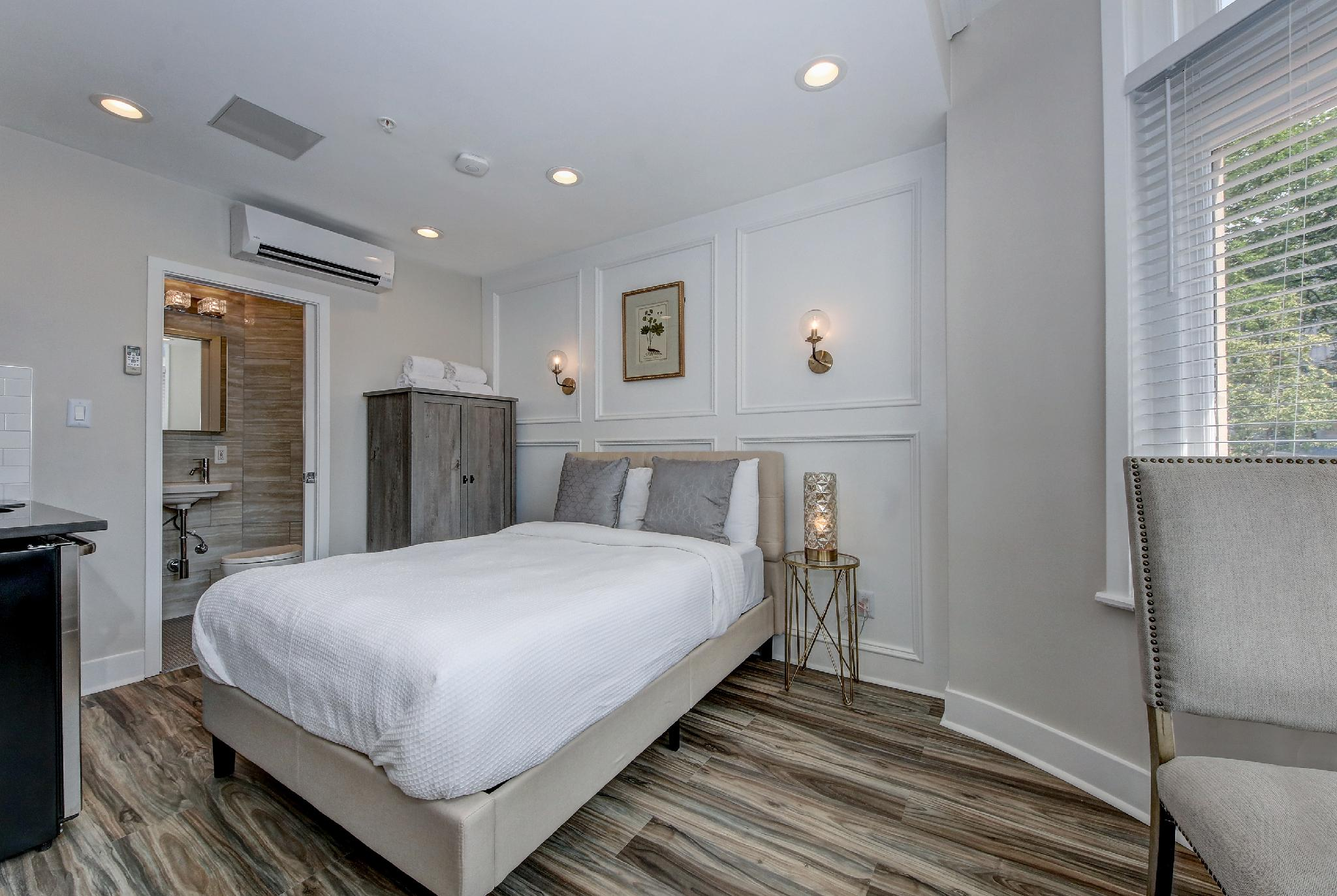 Studio B · DuPont Circle/Kalorama Luxury Apartment