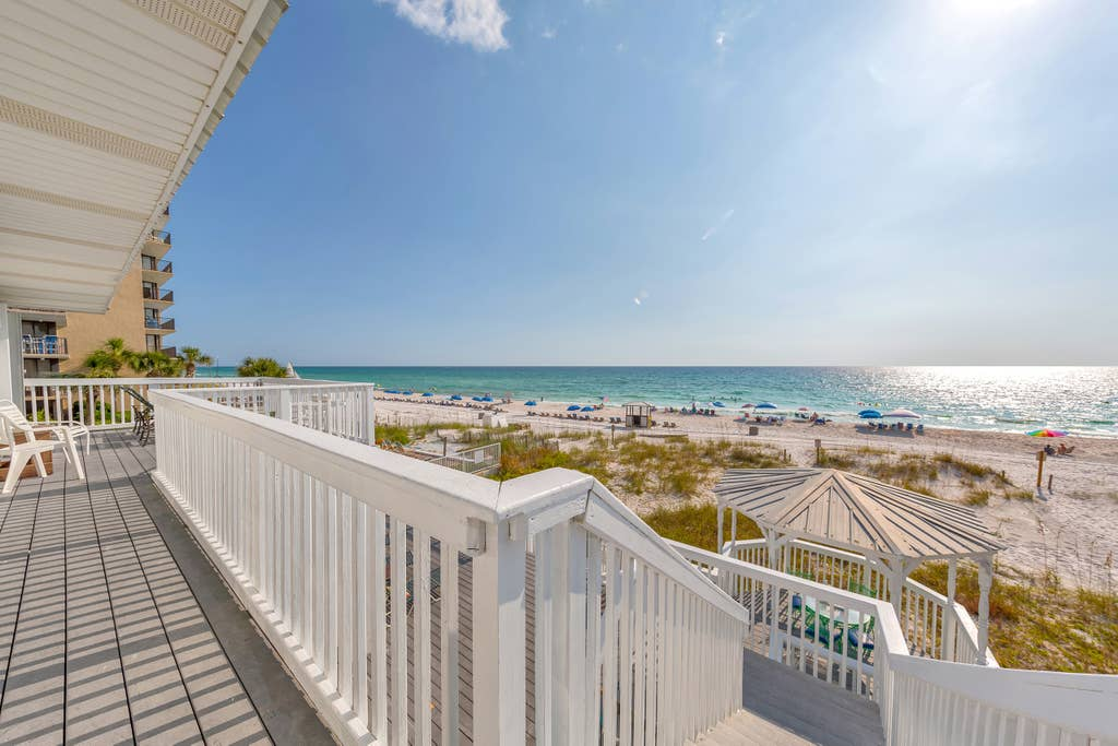 Beach-Front w/ Hot Tub! 4BD/4BA! Sleeps up to 24!