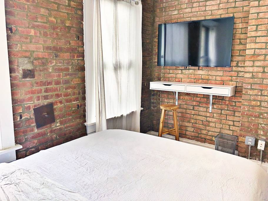 ✴ Brand New & Quiet ✴ Lower East Side ✴ 2BR Apt