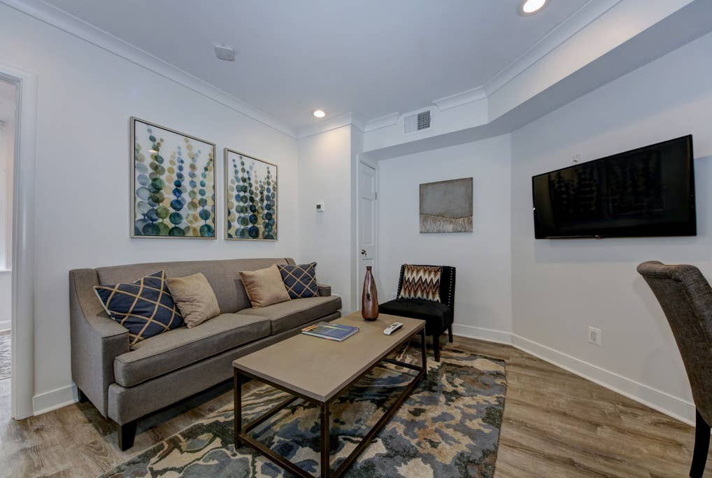 Suite 6 · DuPont Circle/Kalorama Luxury Apartment Suite 6