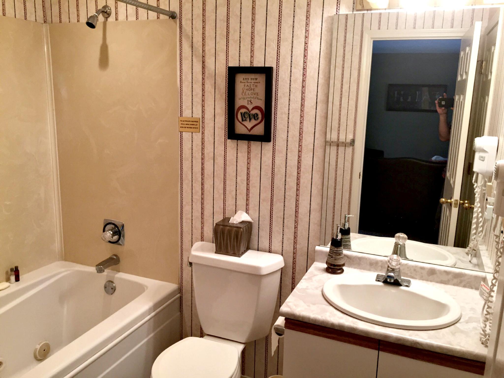 2 Bedroom Walk In Condo, Near the Strip, 1000 Hills Golf View, :Club D-5
