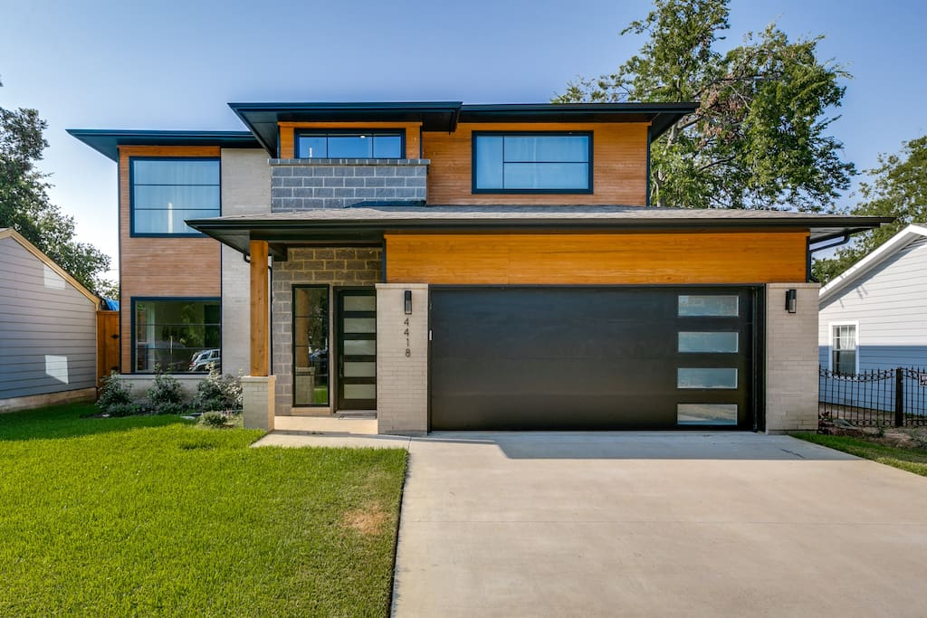 Stigall · 4BD/3BA - Modern Luxury - Best Location In Dallas