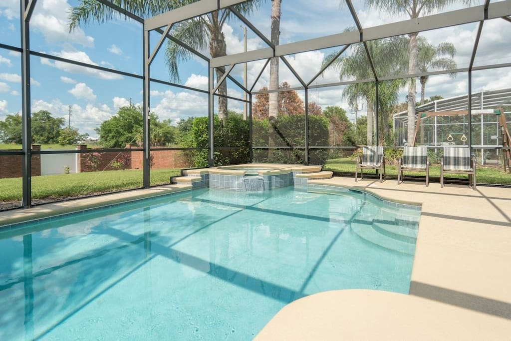 7 Bed, 7 Bath Home with private pool and spa