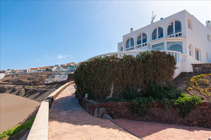 Beach House at Playa del Hombre