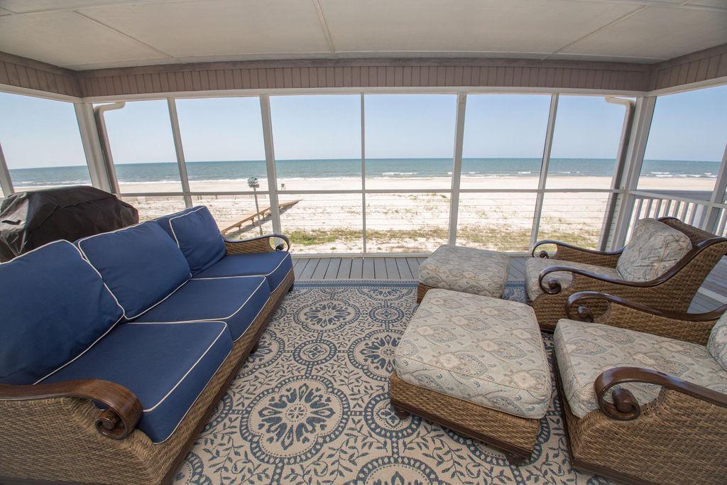 New Beachfront Home + Beach Gear Included!