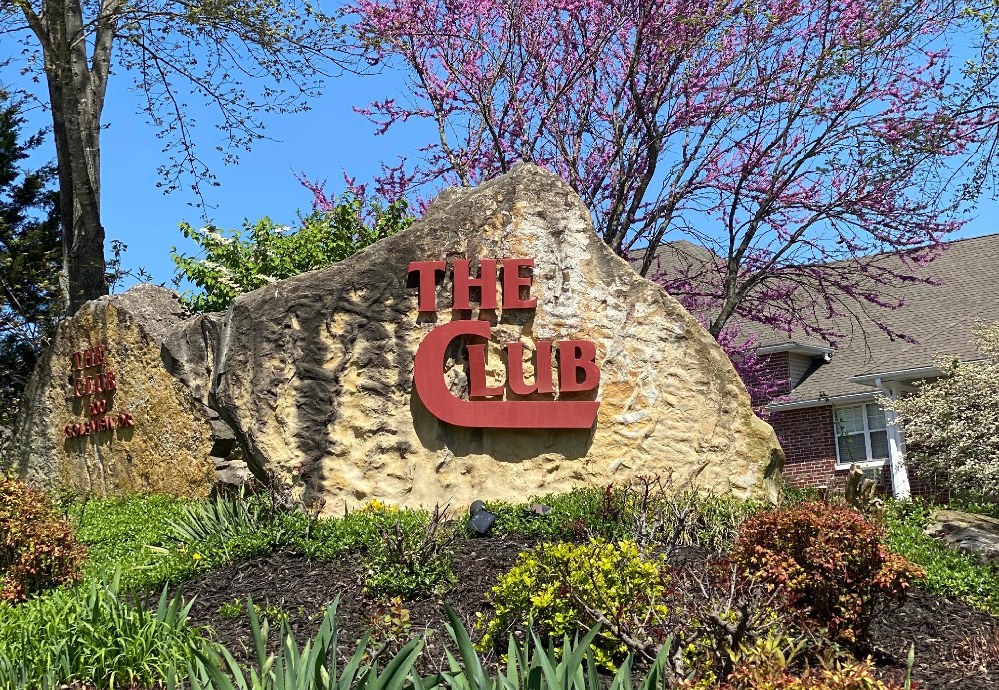 2 Bedroom Walk In Condo, Near the Strip, 1000 Hills Golf View Sleeps 8 : Club A-6