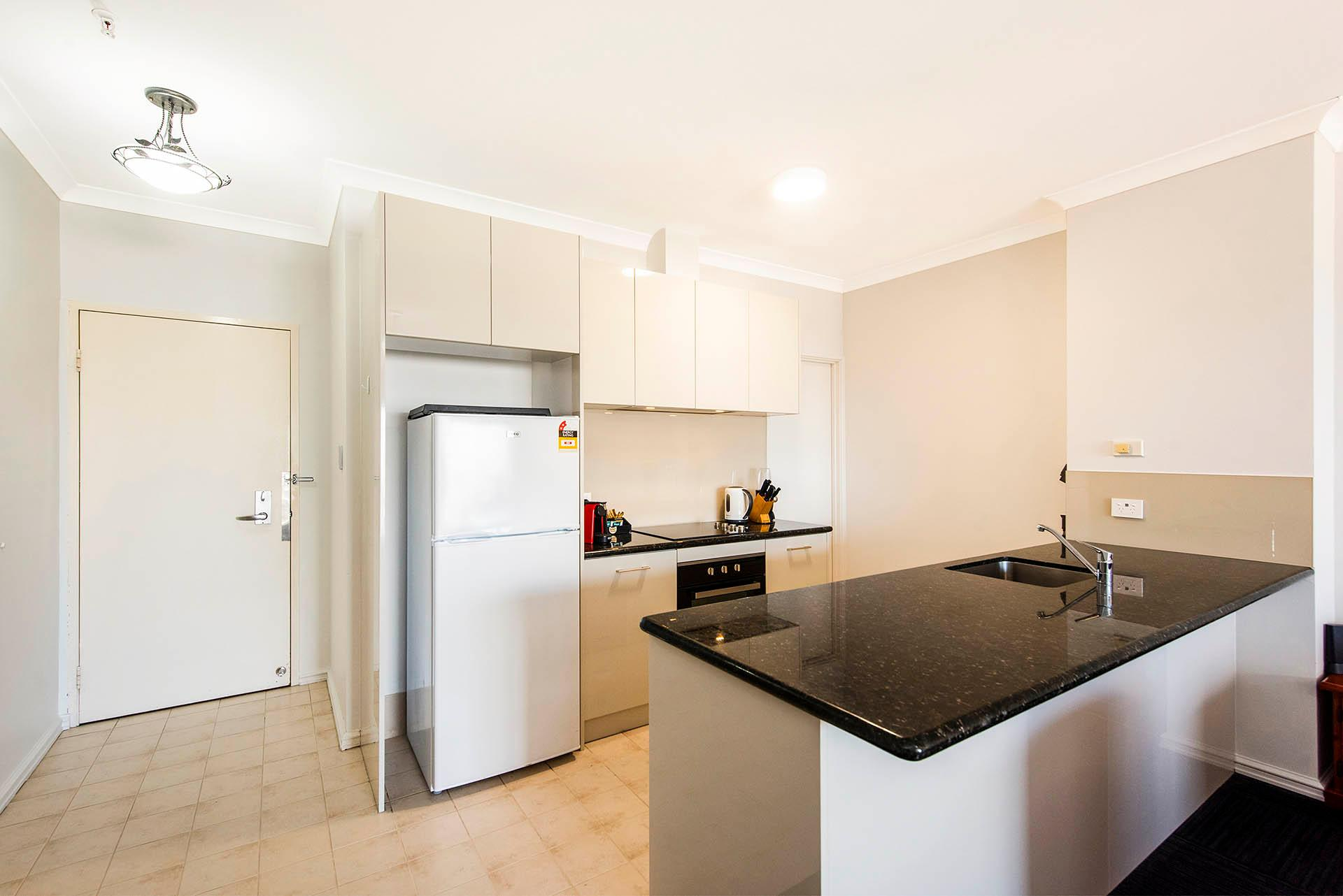 77 Premium CBD apartment FREE WIFI Netflix Parking