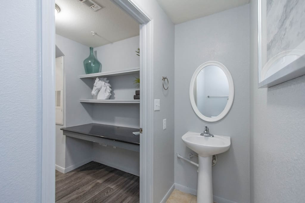 UNIT 1308 · The Nod on 9th with Pool View Downtown