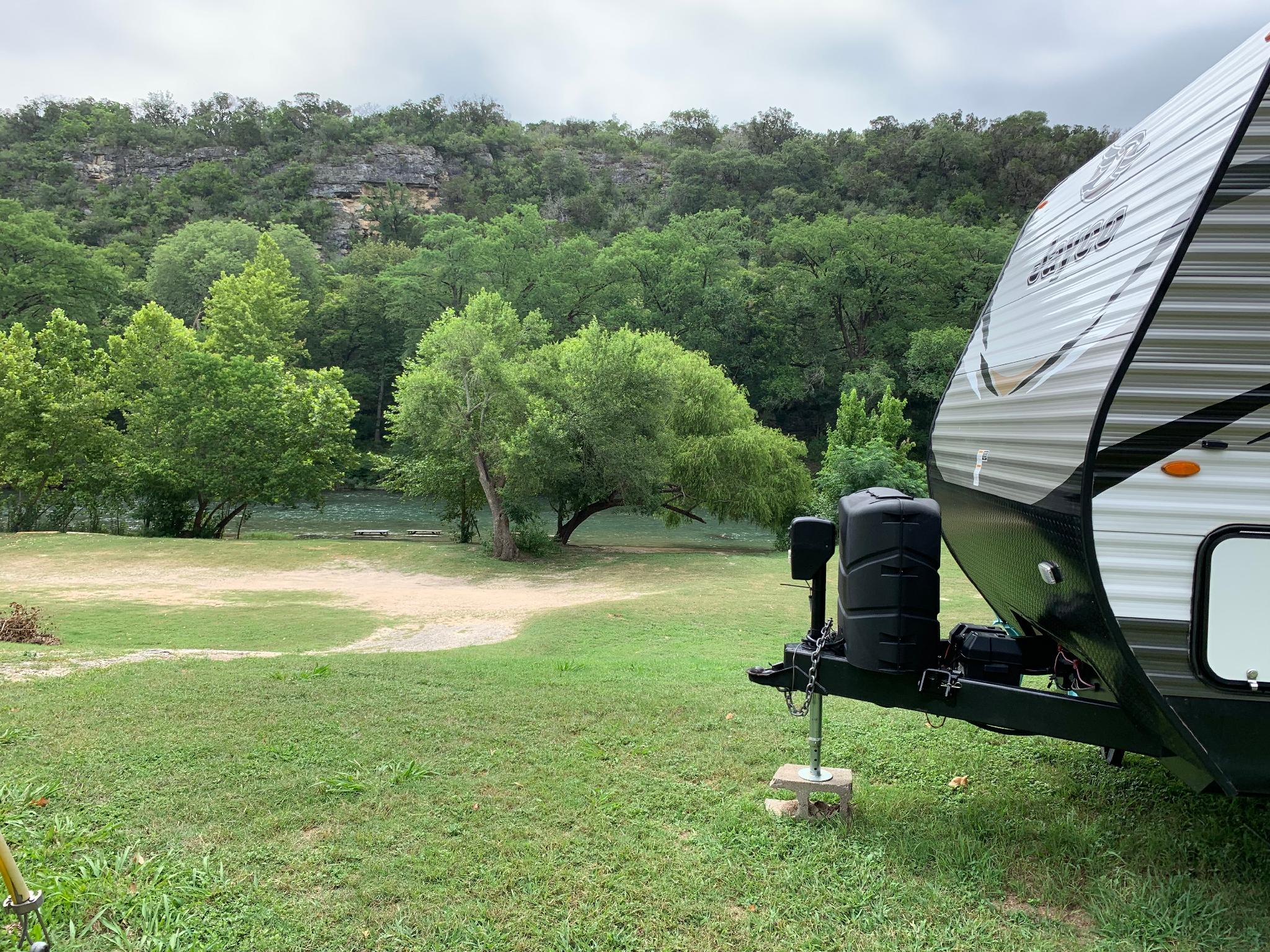 ★ River Front RV Getaway - Float the Guadalupe!