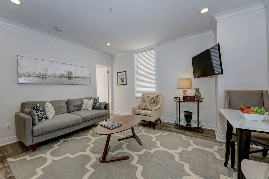 Suite 4 · DuPont Circle/Kalorama Luxury Apartment Suite 4