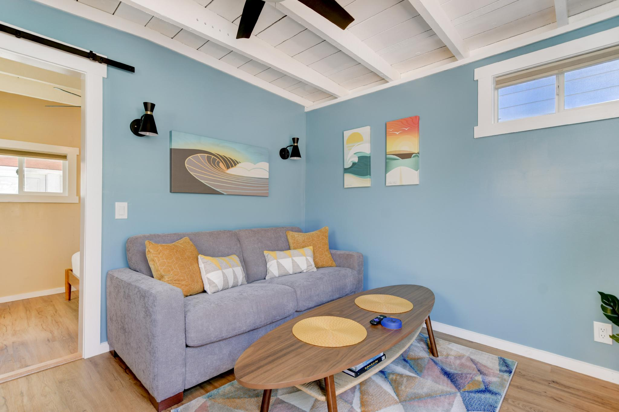 (Kato Shack-811 Ni) · Beach Guest House + Bikes, Jacuzzi & Parking!
