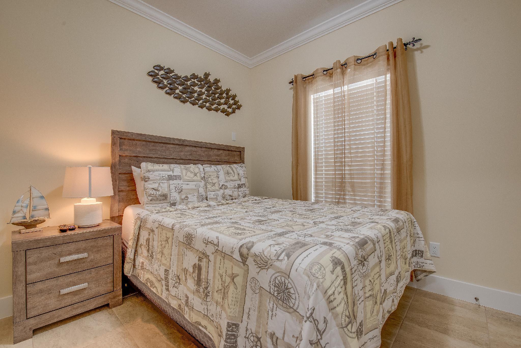 Bedroom 1 Queen