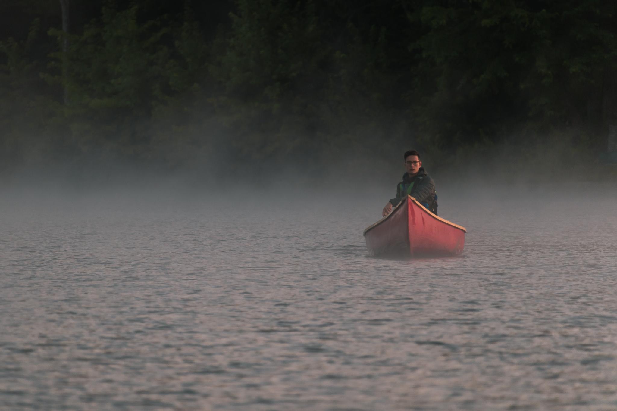 Canot sur le lac McGregor. Deux canots fournis gratuitement pour nos clients. Équipement partagé