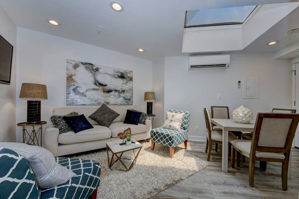 Penthouse 7 · DuPont Circle/Kalorama Luxury Apartment Suite 7